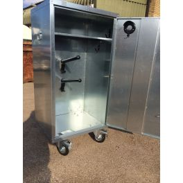 2 Saddle Mobile show locker with Heavy Duty wheels